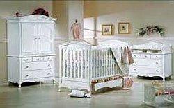 Какая должна быть мебель для детской